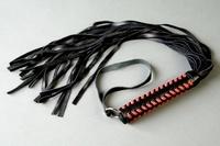 Плеть (ручка плетеная с красной оплеткой)